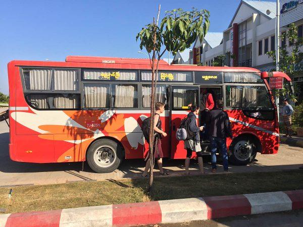 Busfahren in Myanmar