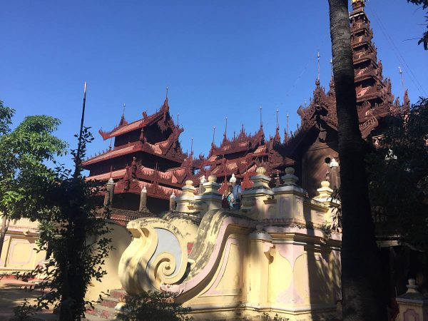 Holzkloster Shwe In Bin Kyaung im Süden von Mandalay.