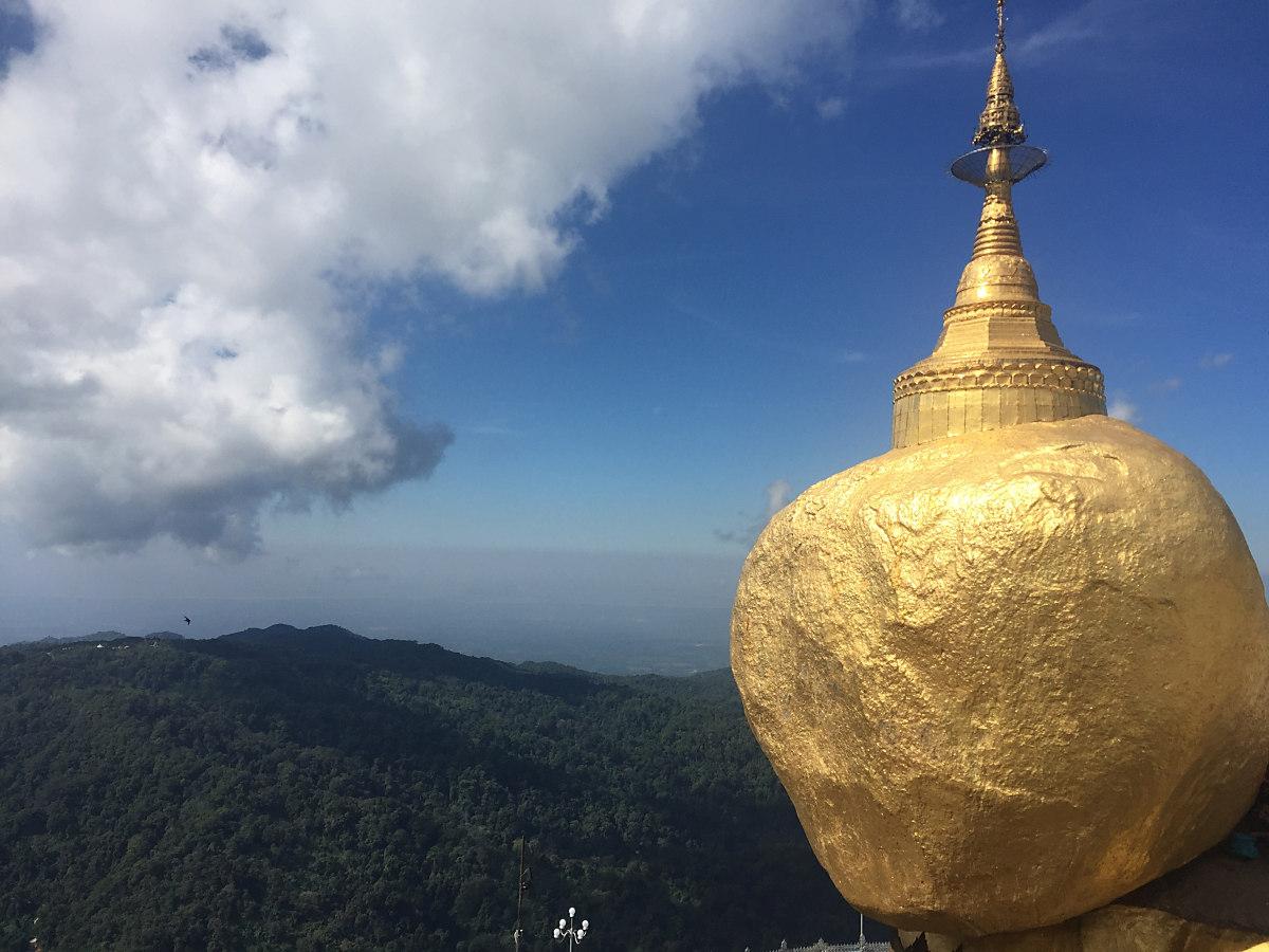 Golden Rock in Myanmar - Die Pilgerstätte Nummer 1 in Burma.