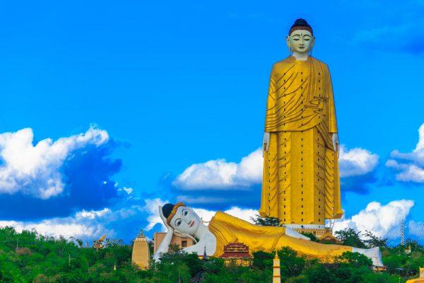 Lay Kyun Sat Kyar der größte stehende Buddha in Myanmar