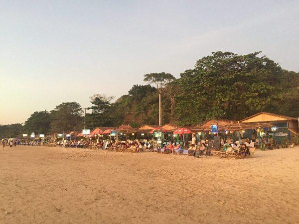 Einheimische Restaurants am Ngapapli Beach