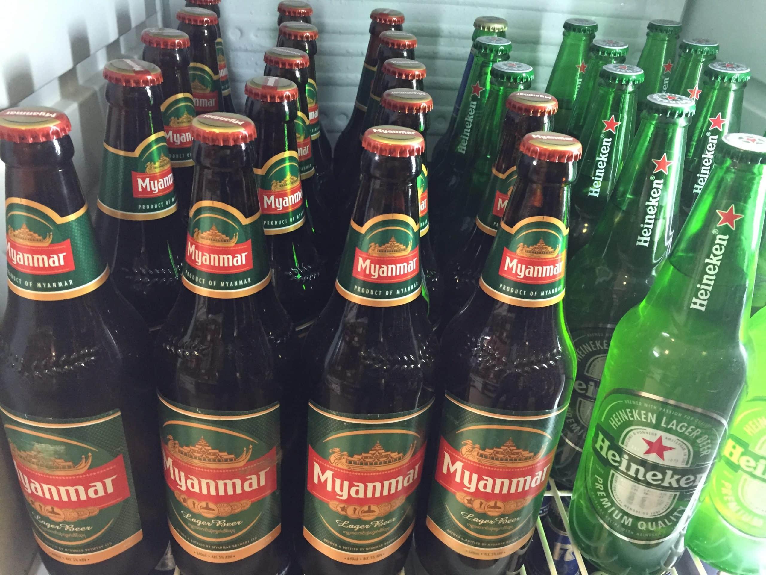 Myanmar Bier - gibt es überall zu kaufen.