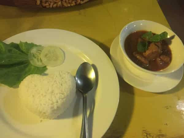 Curry mit Reis und Rind