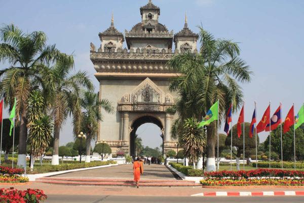 Die Hauptstadt Vientiane glänzt mit Sehenswürdigkeiten und der Entspanntheit - Streß kennt hier niemand.