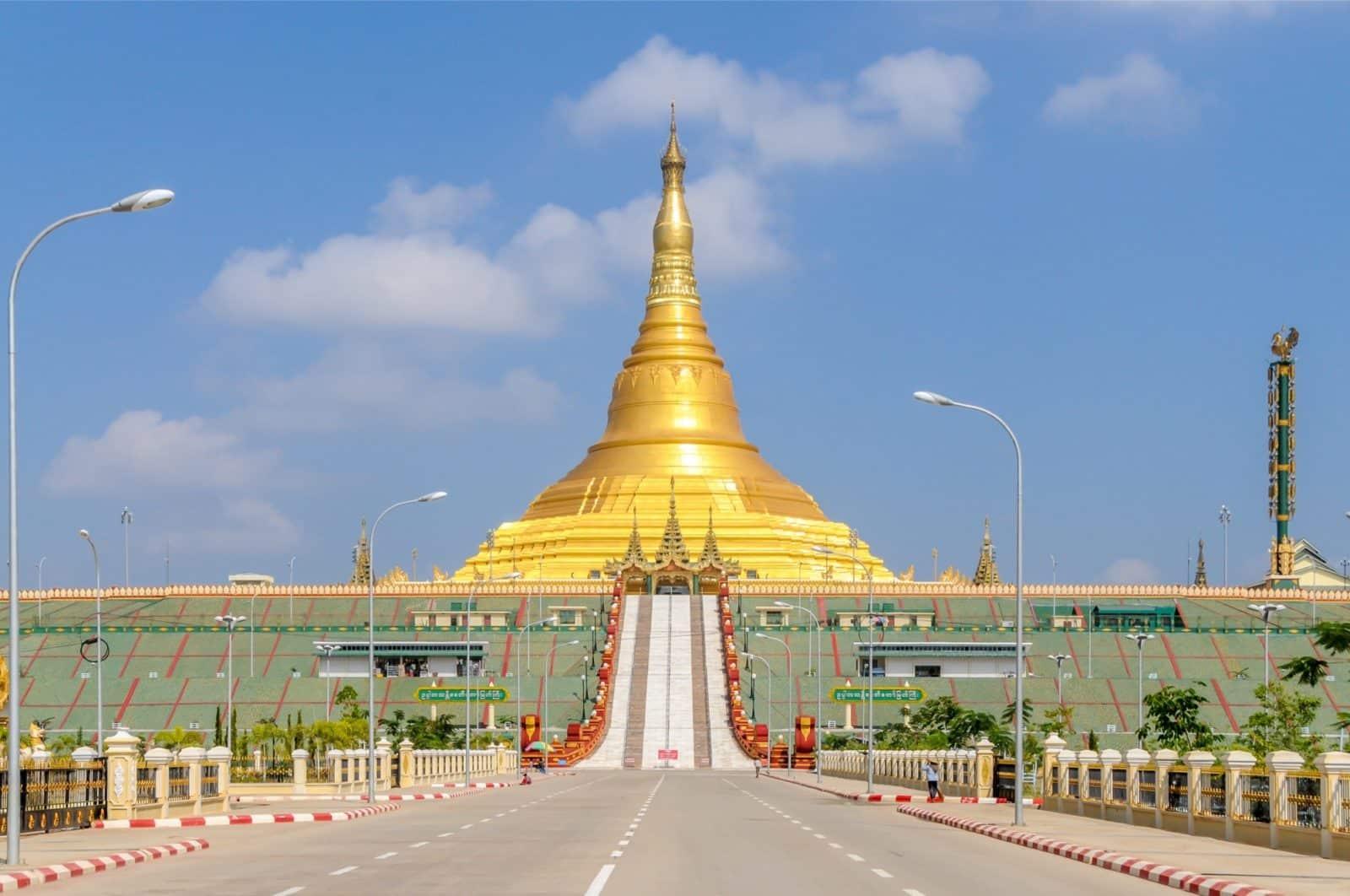 Die Uppatasanti Pagoda in der Hauptstadt Naypyidaw