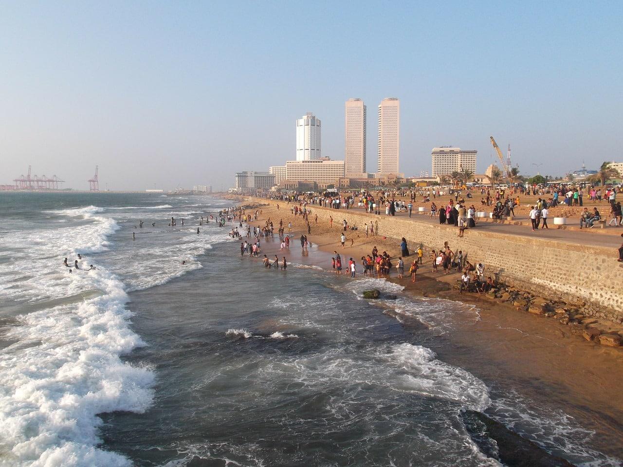 Selbst die Hauptstadt Colombo hat einen eigenen Strand.