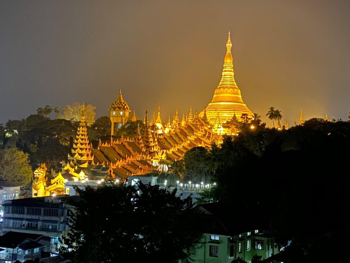 Die Shwedagon Pagode in Yangon